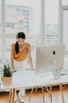 8 Things They Didn't Tell You About Applying For A Job After Graduation Chain Of Custody, Nursing Wear, Up For The Challenge, Moving To California, Branding, Supply Chain, Find A Job, Ethical Fashion, Foto E Video