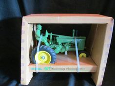 John Deere toy tractor Ertl 40th Anniversary Commemorative 1986 die cast metal 1/16 scale