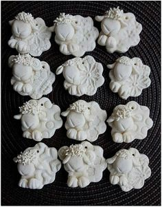 !!!! Salt Dough Crafts, Salt Dough Ornaments, Clay Projects For Kids, Butterfly Ornaments, Homemade Clay, Pottery Animals, Polymer Clay Crafts, Clay Charms, Diy Christmas Ornaments