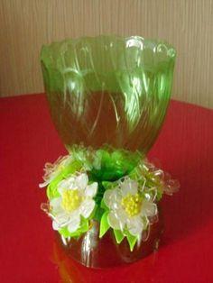 reciclaje de plástico para los floreros decorativos hechos a mano