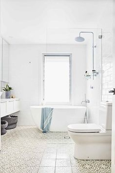 150 Awesome Farmhouse Bathroom Tile Floor Decor Ideas And Remodel To Inspire Your Bathroom 108 – Home Design Bathroom Floor Tiles, Bathroom Renos, Bathroom Interior, Small Bathroom, Tile Floor, Bathroom Ideas, Shower Tiles, Bathroom Inspo, Bath Ideas