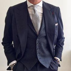 Double breasted and vest ・・・ (presso Foggia, Italy) Fuente:fcelentano #suit#menswear#coat#isaia