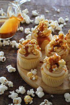 all the beauty things. Popcorn Cupcakes, Yummy Cupcakes, Salted Caramel Popcorn, Muffins, Mini Cakes, Cup Cakes, Piece Of Cakes, Cupcake Recipes, Beautiful Cakes