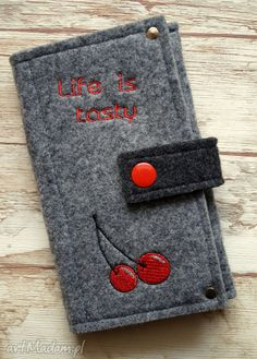 Filcowe etui na telefon - life is tasty. $14