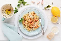 Fast Shrimp Pasta - In 20 Minutes On The Table - RecipeLabs Prawn Pasta, Pot Pasta, Risotto, Fire Food, Fried Shrimp, How To Cook Shrimp, Seasoning Mixes, White Meat, Fish And Seafood