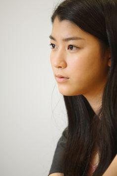 【画像】成海璃子 / 女優 >>クリックすると次の写真に移動します