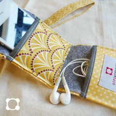 so cute! iphone/ipod holder