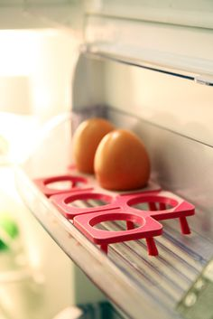 The 3D printed egg tray keep organized your refrigerator a little bit more colorful. Design by Lukas Bast. #3dprinted