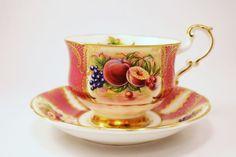 Vintage PARAGON England BONE China WIDE TEA CUP & SAUCER SET JE/E Red Fruit Gold #PARAGON