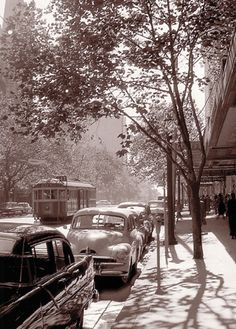 Card - Swanston Street 1958 (I want them all! Melbourne Suburbs, Melbourne Cbd, Melbourne Victoria, Melbourne Australia, Melbourne Travel, Australia Day, Victoria Australia, Art And Illustration, World Images