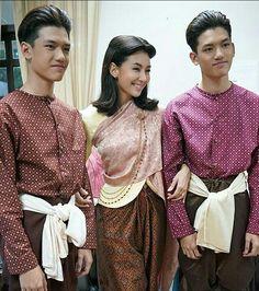 คุณหญิงการะเกด พ่อเรือง พ่อริดบุพเพสันนิวาส Love Destiny, Thai Traditional Dress, Thai Dress, Thai Style, Kandi, Thailand, Sequin Skirt, Dressing, Saree