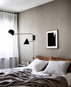 35 Amazingly Pretty Shabby Chic Bedroom Design and Decor Ideas - The Trending House Romantic Bedroom Decor, Home Decor Bedroom, Grey Wall Bedroom, Bedroom Ideas, Bedroom Art, Master Bedroom, Amazing Decor, Scandinavian Home, Scandinavian Interior Bedroom