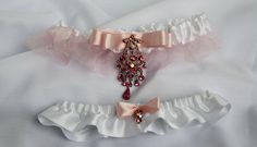 Wedding/Accessories/Pink and white by lechoixdelamariee on Etsy