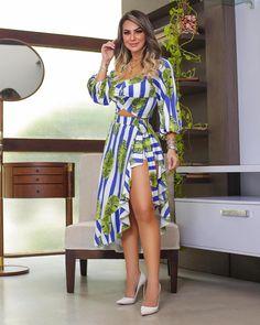 Short Linho + Body com print exclusiva! Elegant Prom Dresses, Modest Dresses, Simple Dresses, Sexy Dresses, Blue Dresses, Vestidos Sexy, Girl Model, Curvy Fashion, Spring Outfits