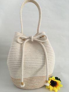 by EileenJaneStudio Rope Basket, Basket Bag, Basket Weaving, Fabric Bowls, Hand Embroidery Videos, Cotton Rope, Handmade Bags, Jute, Purses And Bags