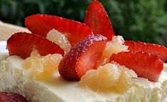 Γλυκό ψυγείου με σαβαγιάρ μους λεμόνι και φράουλες-Syntages-matinas.gr Icebox Cake, Sweets Recipes, Cheesecake, Deserts, Candy, Baking, Food, House, Fridge Cake
