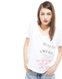 Bershka Ukraine - Bershka V-neck T-shirt