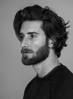 Medium Length Hair Men, Medium Long Hair, Long Hair Cuts, Medium Hair Styles, Man With Long Hair, Men Long Hair, Long Hair Beard, Men Hair, Cool Haircuts