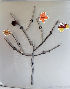 Invitation to Play: Magnetic Fall Tree. Could do this for spring a nod summer. Fun activity for when using Apologia Botany with older siblings. Thanksgiving Activities, Autumn Activities, Preschool Activities, Crafts To Do, Fall Crafts, Crafts For Kids, Tree Study, Creative Play, Imaginative Play