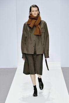 Margaret Howell Efterår Vinter 2019 Show Minimal Fashion, High Fashion, Winter Fashion, Womens Fashion, Fashion Fashion, Workwear Fashion, Fashion Outfits, Fashion Blogger Style, Fashion Blogs