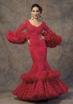 Descubre la Colección 2019 de trajes de flamenca de Aires de Feria African Print Fashion, Ethnic Fashion, 80s And 90s Fashion, Fashion Models, Fashion Tips, Streetwear Fashion, Dress To Impress, Ball Gowns, Fashion Dresses