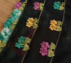 Filet Crochet, Knit Crochet, Crochet Bedspread, Knit Shoes, Sweater Design, Knitted Shawls, Baby Knitting Patterns, Knitting Socks, Hand Embroidery