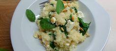 Risotto uit de oven met spinazie, feta en pijnboompitjes | Lekker Tafelen