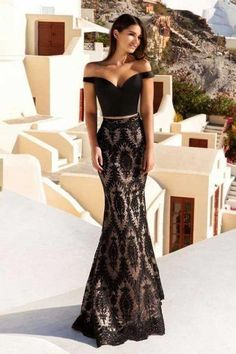 You want to look attractive in order to do that party you're going to have, right? We have what you need with these collection of extended and minimal nightfall clothes. #Promdresseswithsleeves