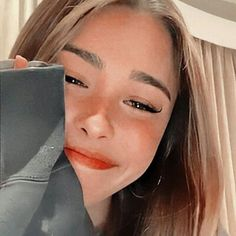Estilo Madison Beer, Madison Beer Style, Madison Beer Outfits, Maddison Beer, Cool Makeup Looks, Beautiful Girl Makeup, Chica Cool, Selfie Poses, Cute Poses