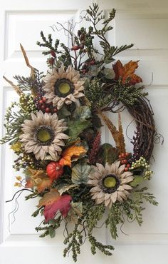 Cute Winter Wreath Decoration Ideas To Compliment Your Door - When most of us think of front door wreaths we think circle, evergreen and Christmas. Wreaths come in all types of materials and shapes. Outdoor Fall Wreaths, Christmas Wreaths For Front Door, Holiday Wreaths, Christmas Decorations, Winter Wreaths, Prim Christmas, Spring Wreaths, Summer Wreath, Christmas Trees