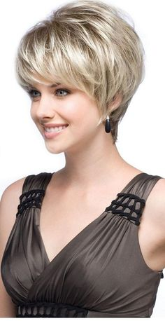 We have a list of fabulous short layered hair styles that are trendy, super functional and easy maintenance. Hairstyles For Fat Faces, Haircuts For Fine Hair, Round Face Haircuts, Hairstyles Over 50, Short Haircuts, Layered Hairstyles, Bob Hairstyles, Short Hairstyles Fine, Trendy Hairstyles
