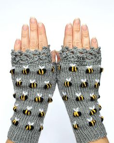 Gloves With Bees, Gray Hand Knitted Fingerless Gloves, Polka Dot Pattern With Bee, Embroidery, For H Handschuhe mit Bienen grau handgestrickte fingerlose Handschuhe Polka Knitting Accessories, Winter Accessories, Handmade Accessories, Hand Crochet, Hand Knitting, Knit Crochet, Crocheted Lace, Knitting Patterns, Crochet Gifts