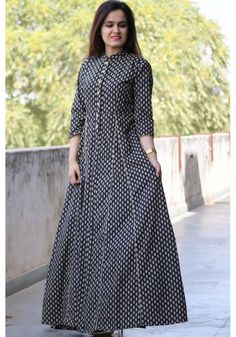 Black Geometric Maxi Simple Dresses, Casual Dresses, Fashion Dresses, Kurta Designs, Blouse Designs, Indian Dresses, Indian Outfits, African Fashion, Indian Fashion