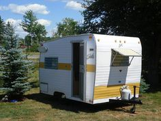 1968 SHASTA COMPACT TRAILER WITH WINGS