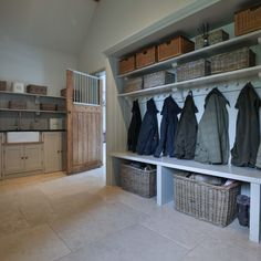 Cotswold Boot Room There every step of the way Daniel will manage your project from start to finish, with a meticulous eye for detail and an insistence for perfection. From your initial enquiry it can be as little as 5 weeks Boot Room Storage, Utility Room Storage, Hallway Storage, Storage Room Ideas, Home Design, Küchen Design, Mudroom Laundry Room, Laundry Room Design, Boot Room Utility