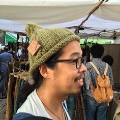 ザクロの果皮で染めたWool 100%の糸で手編みしてもらいました。 Wool 100% yarn dyed with peel of pomegranate , and I had to hand-knitted.