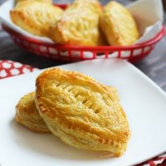 A delicious super bowl recipe of puff pastry stuffed with creamy chicken or chocolatey nutella.