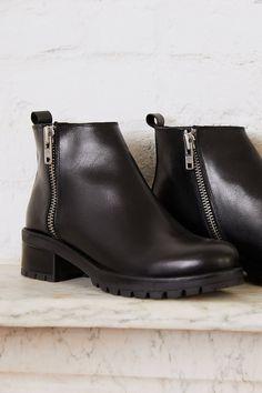 8863eb2f872 Maci Zippered Ankle Boot