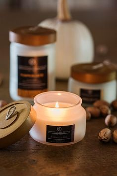 Delicious soy wax blend with essential oil candles by Chesapeake Bay Candle! See my favorite scents Aromatherapy Candles, Scented Candles, Candle Jars, Homemade Candles, Beeswax Candles, Candle Holders, Essential Oil Candles, Essential Oils, Candles Online