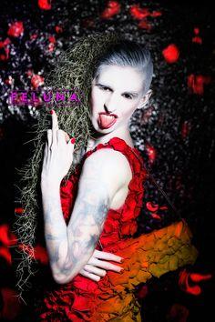 Kerstin Platzer - Feluna 2016-03-11 - Kerstin Platzer - Feluna Graphic Design wearing a shirt and a clutch made of roses..  --> shirt and clutch: Hochblüte- Naturfloristik für alle Sinne für das Blätterwerk! --> make-up: Tanja_S
