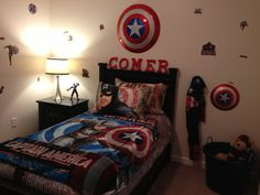 Captain America Bedroom- I think Comer is the kids name: awesome ...