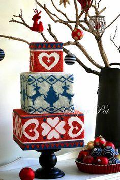 A Daggy Christmas jumper inspired cake - by Priya Maclure @ CakesDecor.com - cake decorating website