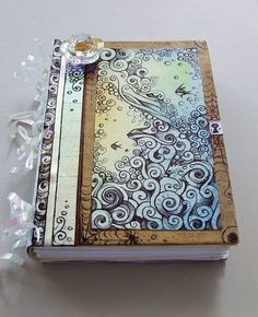 I cant wait for summer to get here so i can actually make all the stuff pinned to this board!! This journal is first on my list!!!