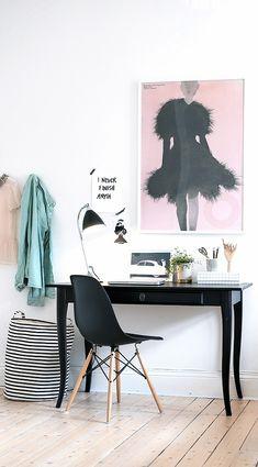 Via NordicDays.nl   Alvhem Home   Office   Eames   Black and Pink
