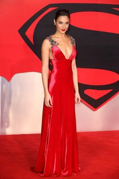 Gal Gadot Looks Straight Up Like Wonder Woman on This Red Carpet