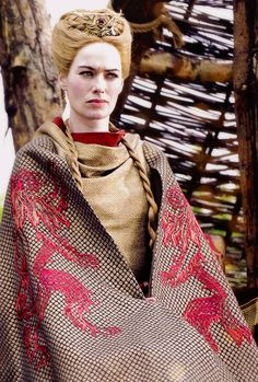 game of thrones- cersei lanister Game Of Thrones Cersei, Game Of Thrones Books, Game Of Thrones Costumes, Game Thrones, Daenerys And Jon, Cersei And Jaime, Got Costumes, Theatre Costumes, Eddard Stark