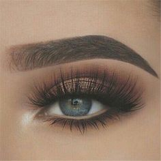50 Gorgeous Blue Eye Makeup Looks For Day And Evening 2019 - Page 48 of 50 - Chic Hostess #EyeMakeupBlue Blue Eye Makeup, Smokey Eye Makeup, Skin Makeup, Eyeshadow Makeup, Brown Eyeshadow, Neutral Eyeshadow, Eyebrow Makeup, Red Hair Blue Eyes Makeup, Makeup Looks Green Eyes