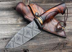 BAROG Čepel - mozaikový damašek 1,2842 + 75ni8 Uddeholm Záštita a záslepka - damašek 1,2842+75ni8 + patinovaná kost Ručka - Arizona ironwood Celková délka - 29cm , čepel - 15 cm. Šířka čepele v nejširším místě 50 mm, tlouška 5 mm. BAROG Blade - Mosaic damascus steel 1,2842 (O2) + 75ni8 Uddeholm (15N20) Guard and pommel - Damascus steel 1,2842 (O2) + 75ni8 Uddeholm (15N20) + patinated bone Handle - Arizona Ironwood Average overall length - 29 cm (approx- 11,4 inches) , blade - 15 cm (approx…