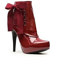 Ankle boots in red and decoration