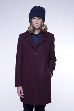 Manteau femme bordeaux en tissu poilu